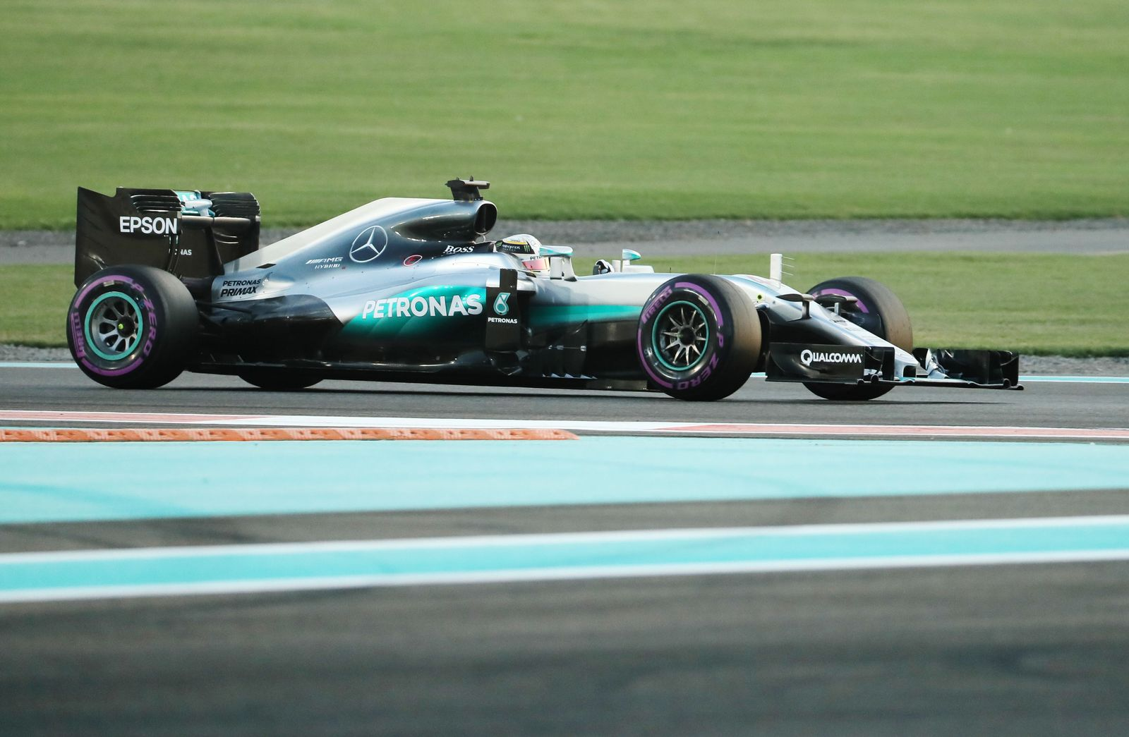 AUTO-PRIX-F1-UAE-QUALIFYING