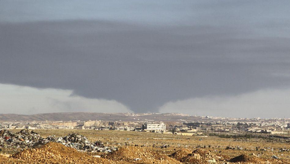 Rauch über Aleppo: Saudi-Arabien will Bodentruppen einsetzen