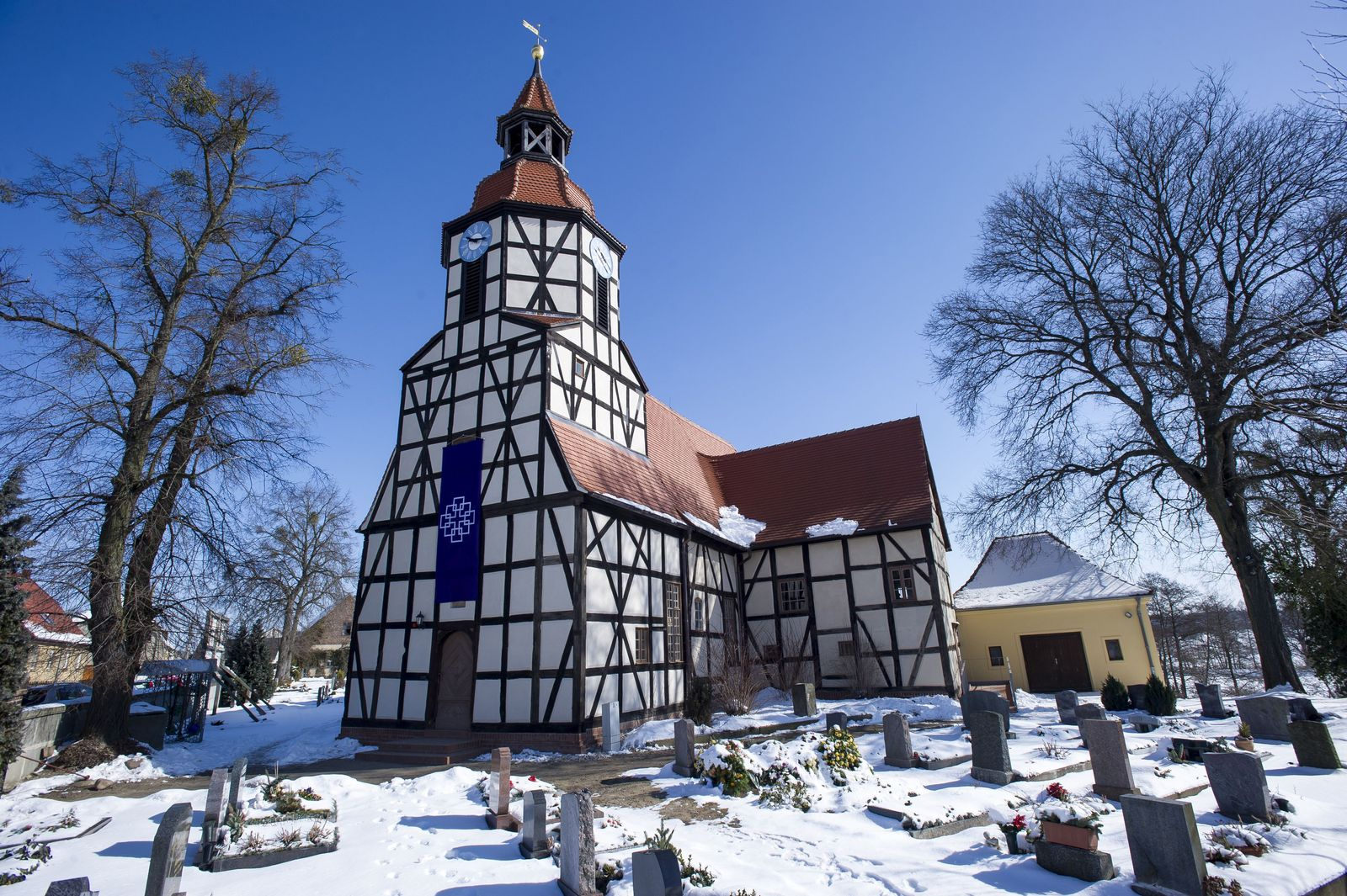 EINMALIGE VERWENDUNG kirche