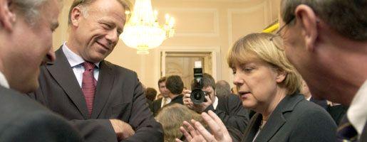 """Kollegen Trittin, Merkel (2004): """"Warum nicht mit Frau Merkel?"""""""