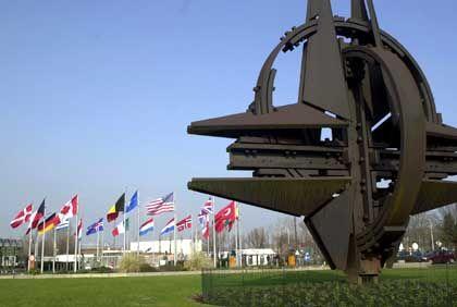 """Nato-Hauptquartier in Brüssel: """"Im Gleitflug niedergehen"""""""
