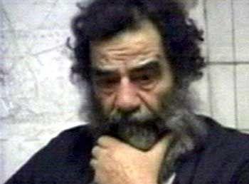 Diktator Hussein nach seiner Festnahme durch US-Truppen (im Dezember 2003): Große Toleranz für die Grausamkeiten der Elternfiguren