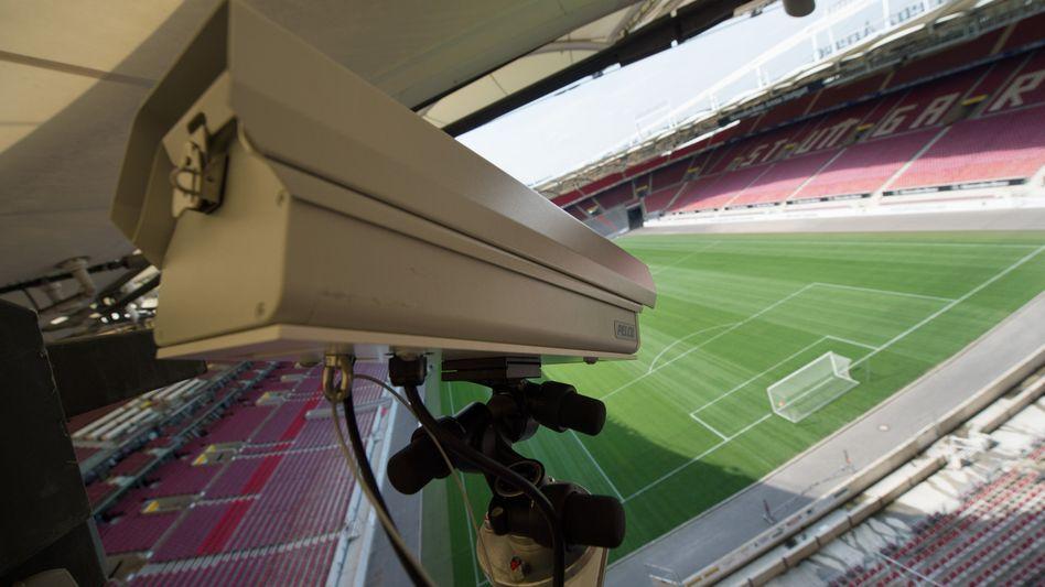 Eine Hawk-Eye-Kamera in der Spielstätte des VfB Stuttgart