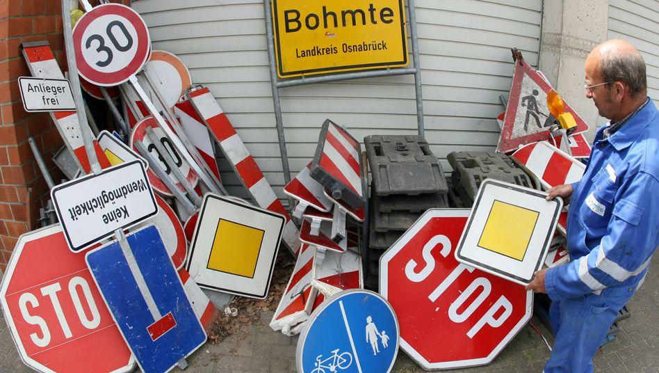 Bauhof in Bohmte: Die Gemeinde hat Kreuzungen von Schildern befreit