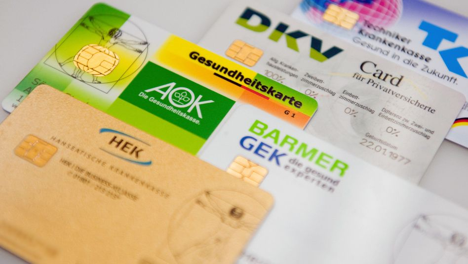 Chipkarten verschiedener Kassen: Digitalisierung per Gesetz