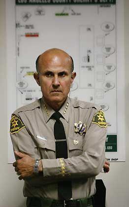 """Sheriff Lee Baca: """"Morde geschehen eben in Compton"""""""