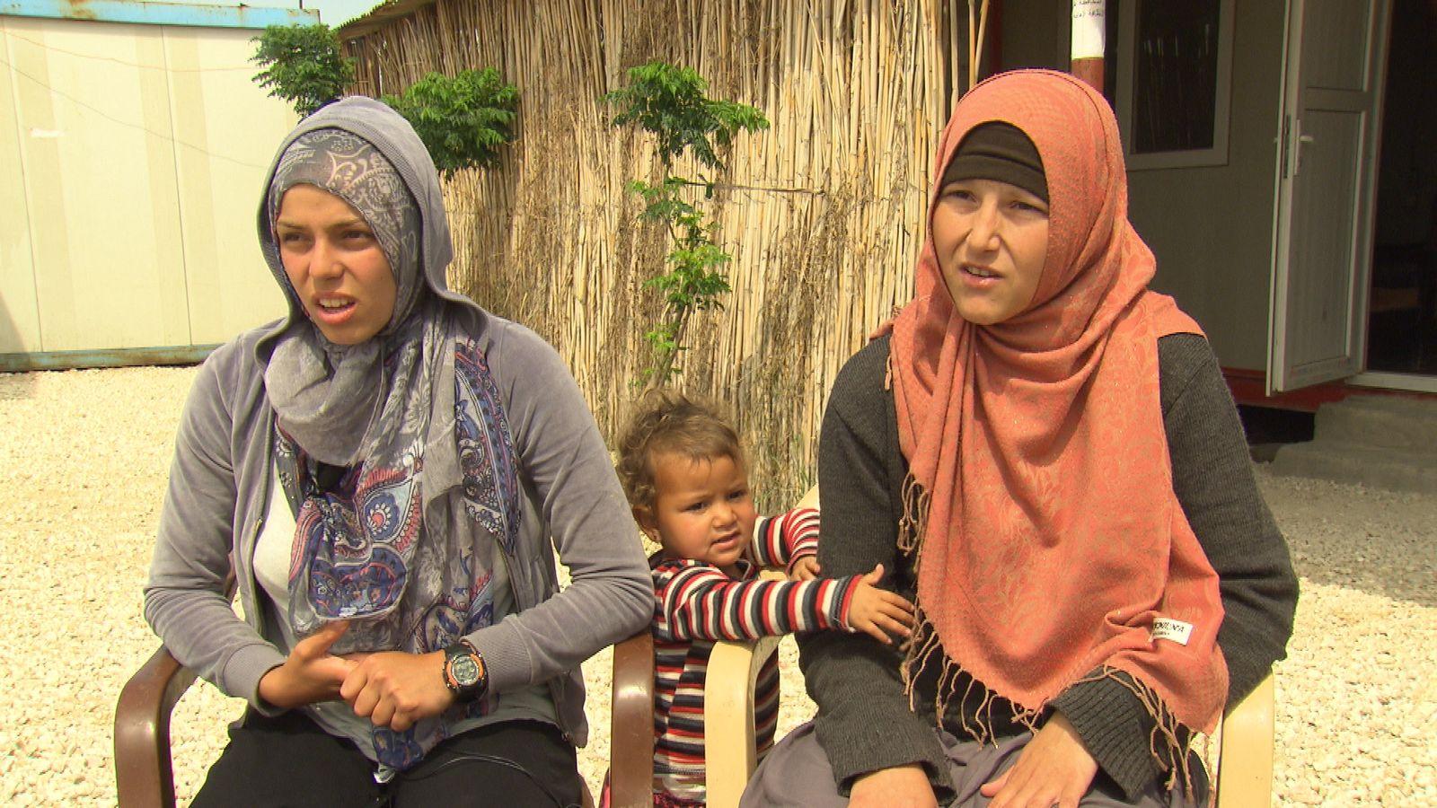 EINMALIGE VERWENDUNG Syrien/ Kamischli/ Gefangenenlager/ IS-Frauen