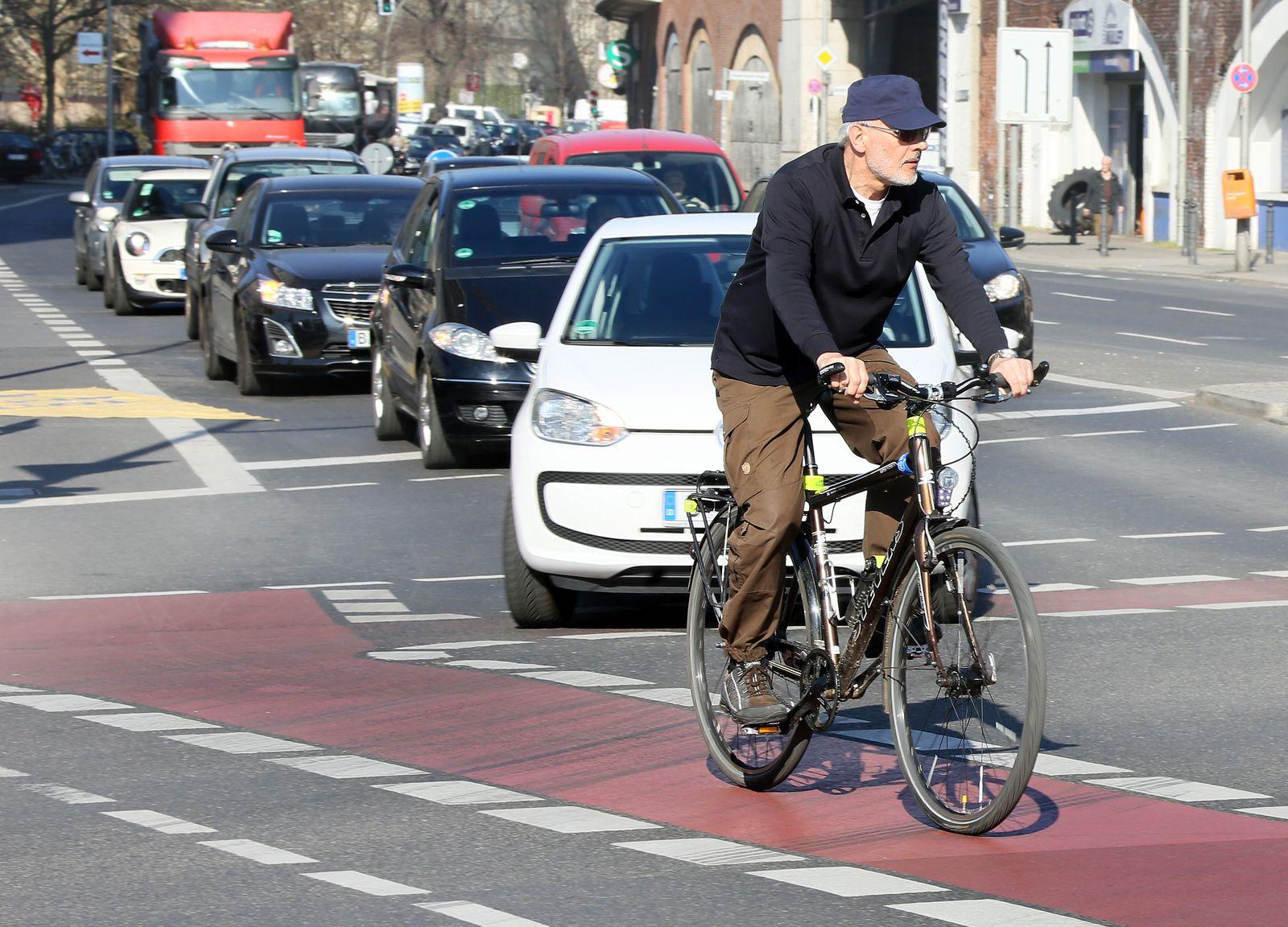 Sicherheit/ Fahrradfahren/ Berlin