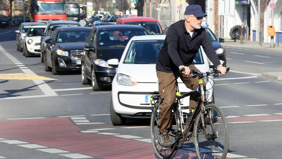 Fahrradfahrer in Berlin: Dem Auto gehört die Stadt