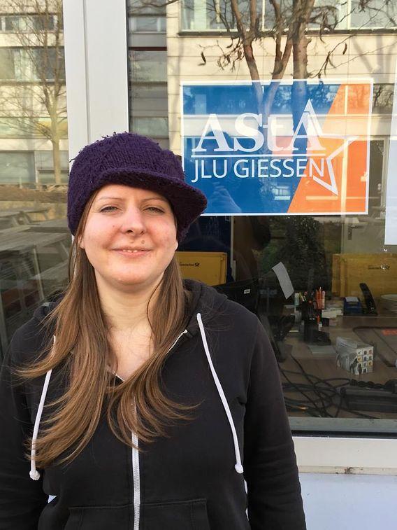 Andrea Barany studiert an der Justus-Liebig-Universität Gießen Psychologie und ist Mitglied im Allgemeinen Studierendenausschuss (AStA).