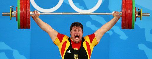Gewichtheber Steiner: Sieg mit 461 Kilo