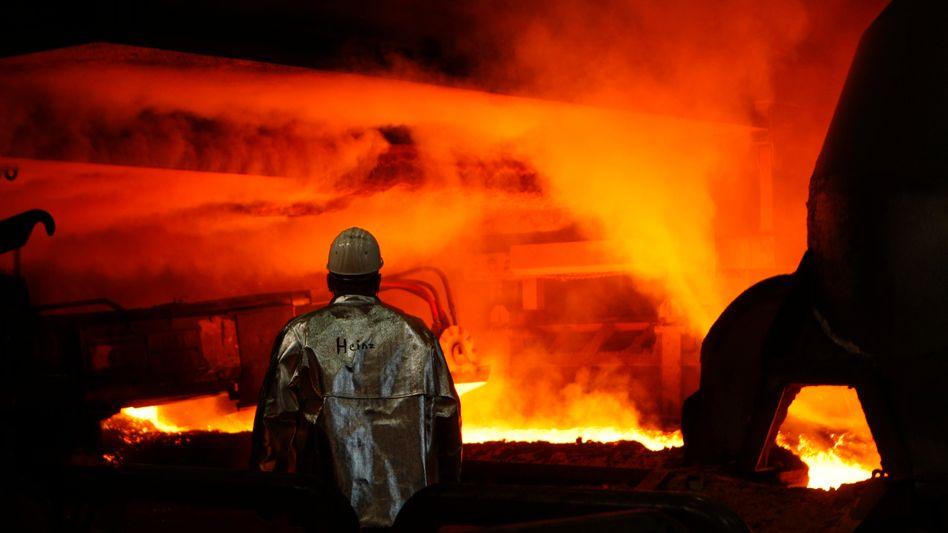 Stahlarbeiter bei ThyssenKrupp: Die deutsche Wirtschaft wächst auch 2011