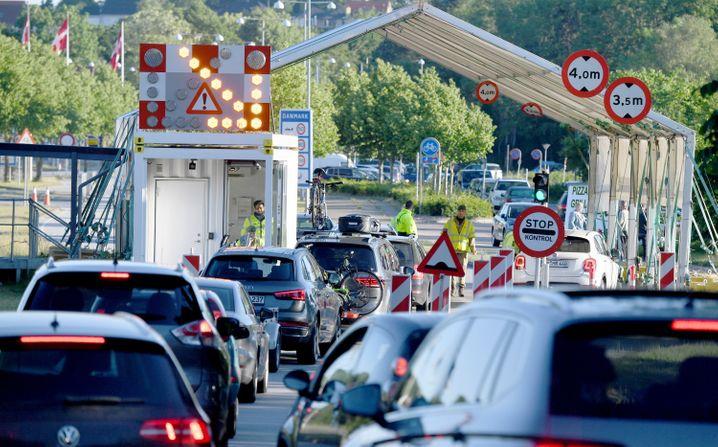 Stau Richtung Dänemark am Grenzübergang Krusau