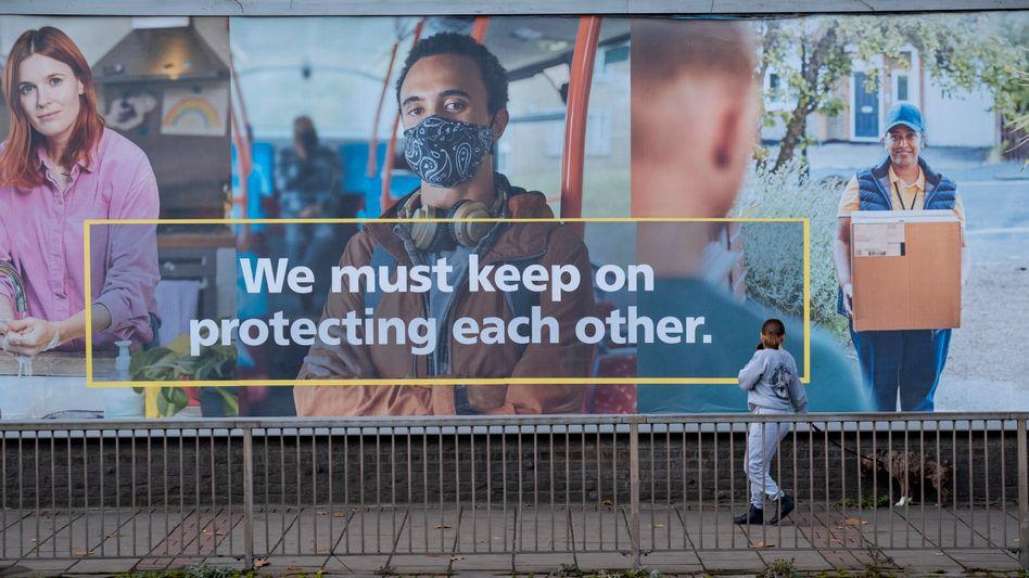 NHS-Plakat in London: »Wir müssen uns gegenseitig beschützen«