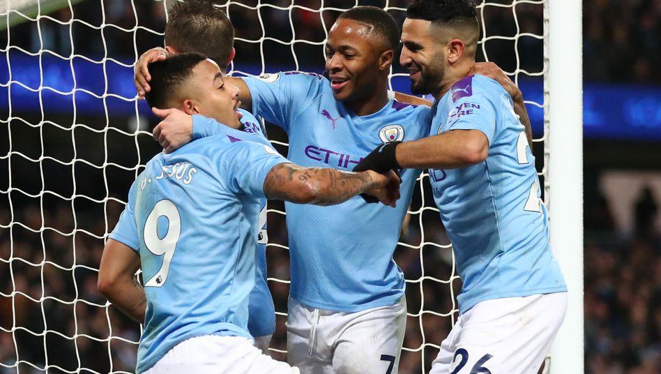 Manchesters Gabriel Jesus feiert mit seinen Teamkollegen