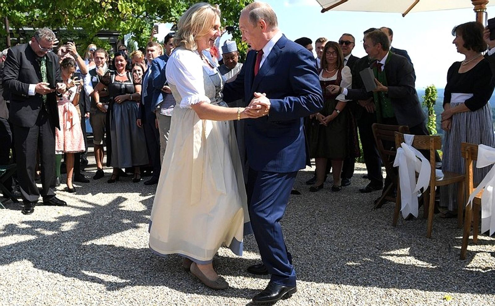 August 18 2018 Gamlitz Austria Russian President Vladimir Putin dances with the bride Austri