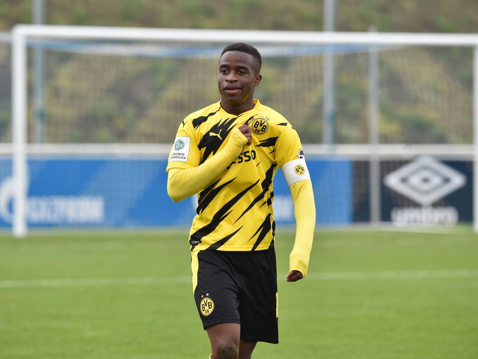 Jubel Youssoufa Moukoko (Borussia Dortmund) 18.10.2020, Fussball GER, Saison 2020 2021, U19 Bundesliga West, 3. Spielta