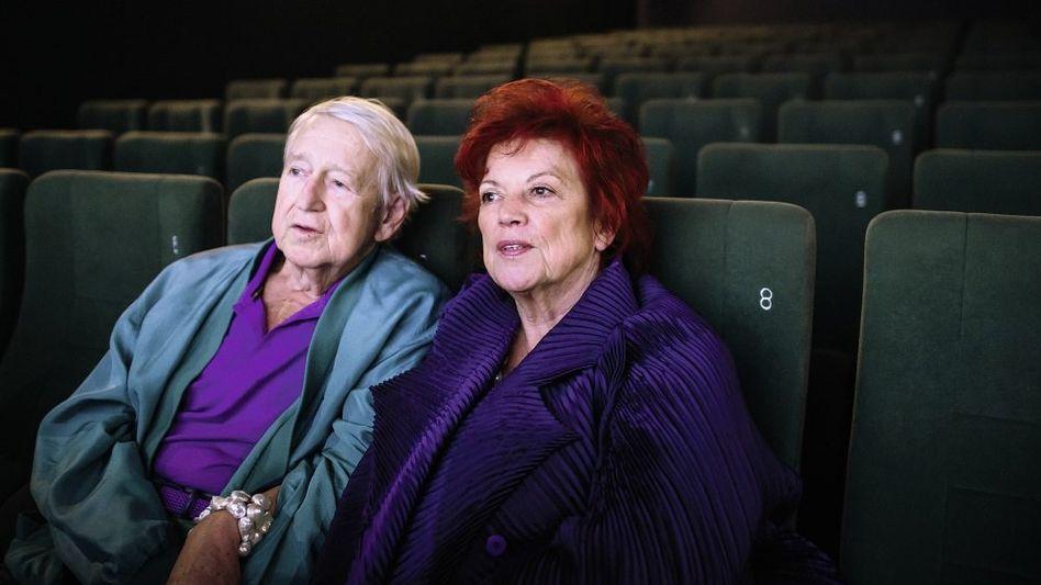 Ehepaar Gremm, Ziegler in seinem Kino in Berlin