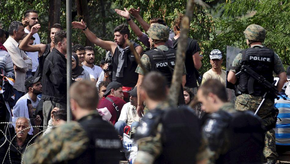 Flüchtlinge und Polizisten an der Landesgrenze: Immer wieder Zwischenfälle