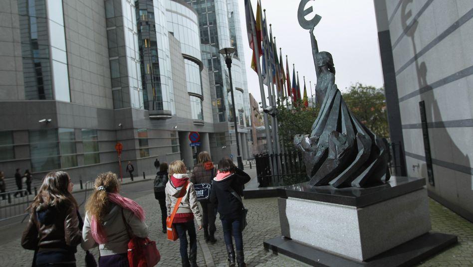 Euro-Skulptur in Brüssel: Die Existenz der Währungsunion ist bedroht