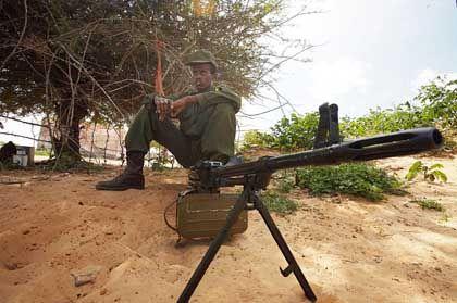 Soldat der somalischen Übergangsregierung in Mogadischu: Islamischen Gottesstaat verhindern