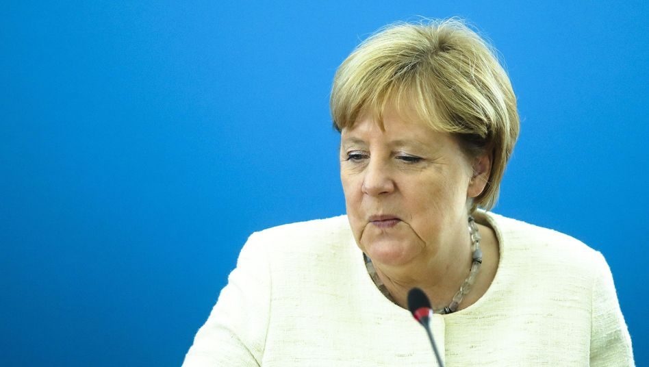 Was hat Angela Merkel gegen die Rechtsextremen in Bundeswehr, Polizei, Behörden, Justiz getan?
