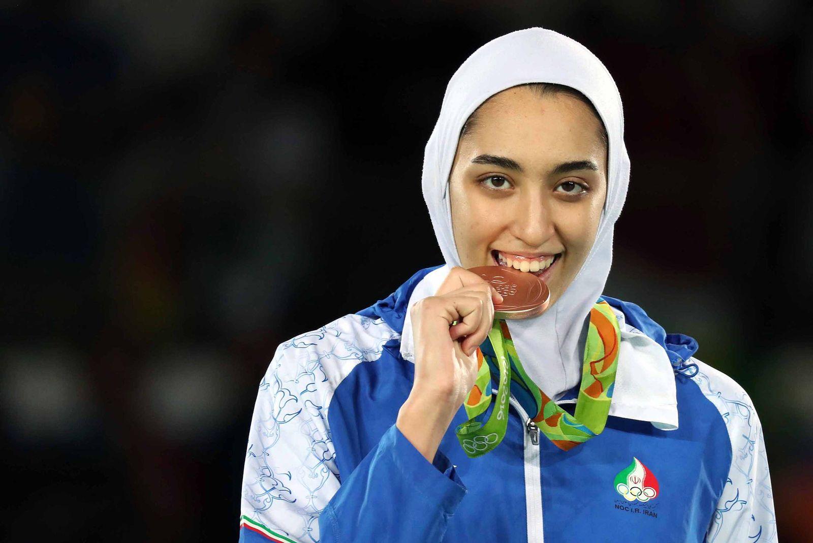 Irans einzige Olympia-Medaillengewinnerin flieht aus dem Land