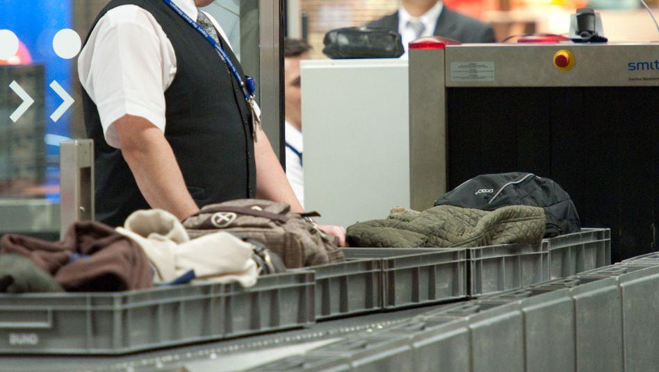 Sicherheitsschleuse des Flughafens in Frankfurt am Main