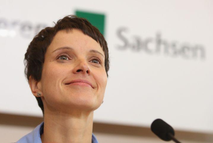 AfD-Frau Petry: Treffen mit Pegida-Verantwortlichen