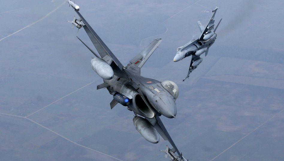 Nato-Flugzeuge über Litauen (im November): Provokation in Osteuropa?
