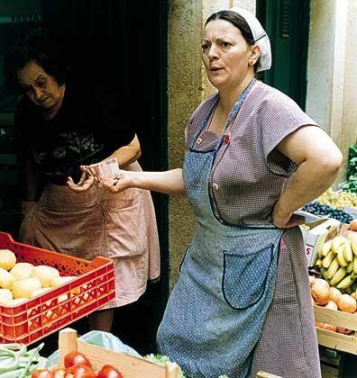 Dona Ana: Es sind die Marktfrauen, Köchinnen, Fischverkäuferinnen, die den Ton angeben in der Altstadt. Resolut, laut, zuweilen derbe - doch immer liebenswert