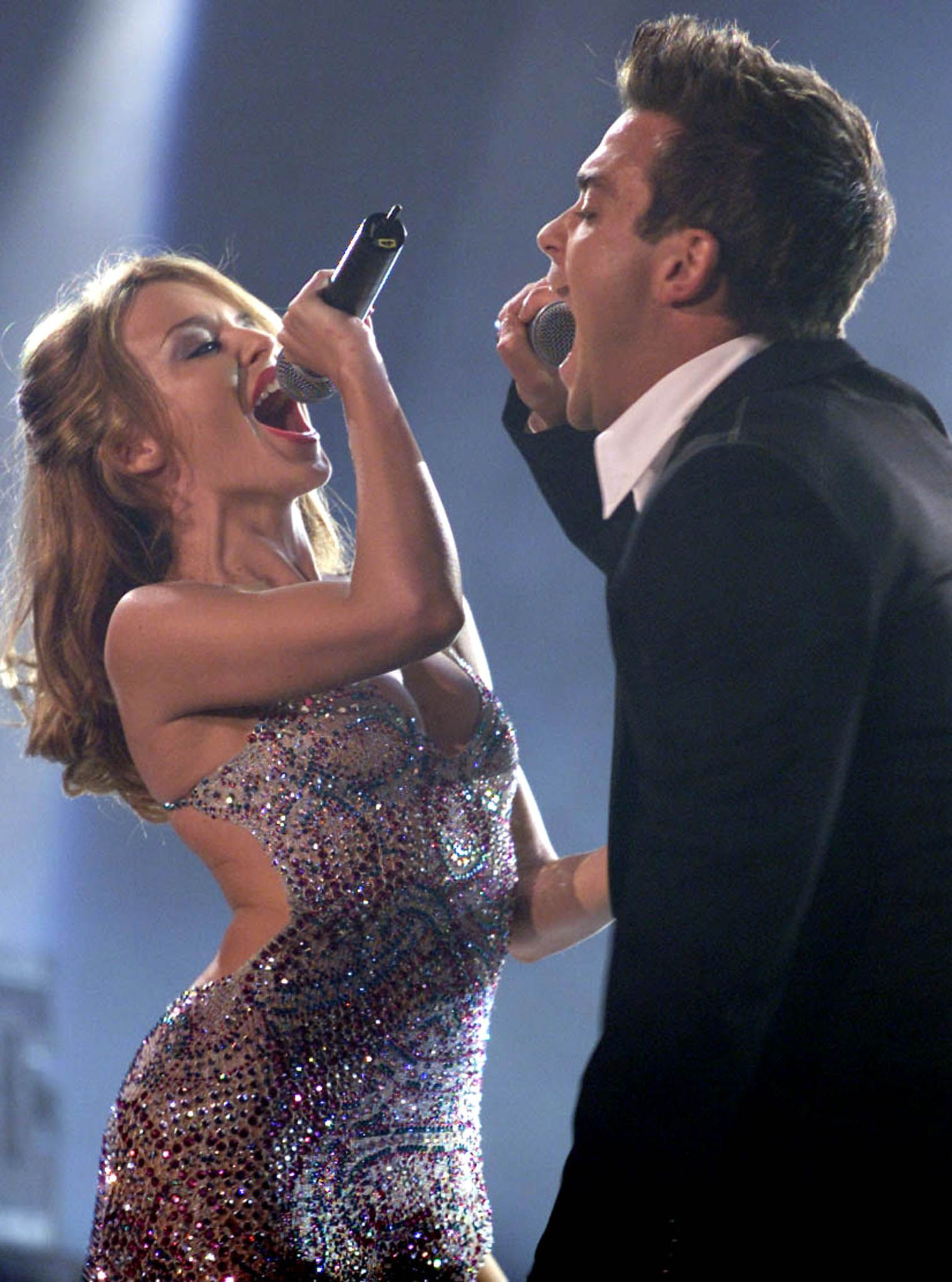BRITISH SINGER ROBBIE WILLIAMS AND KYLIE MINOGUE PERFROM AT THE MTV EUROPE MUSIC AWARDS IN STOCKHOLM.