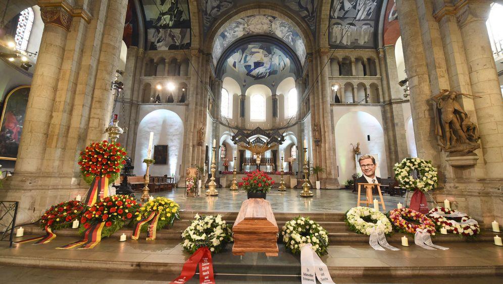 Abschied in Köln: Panne bei Westerwelle-Begräbnis