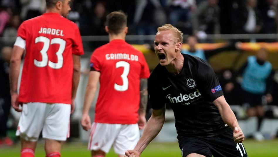 Sebastian Rode bejubelt seinen Treffer zum entscheidenden 2:0.