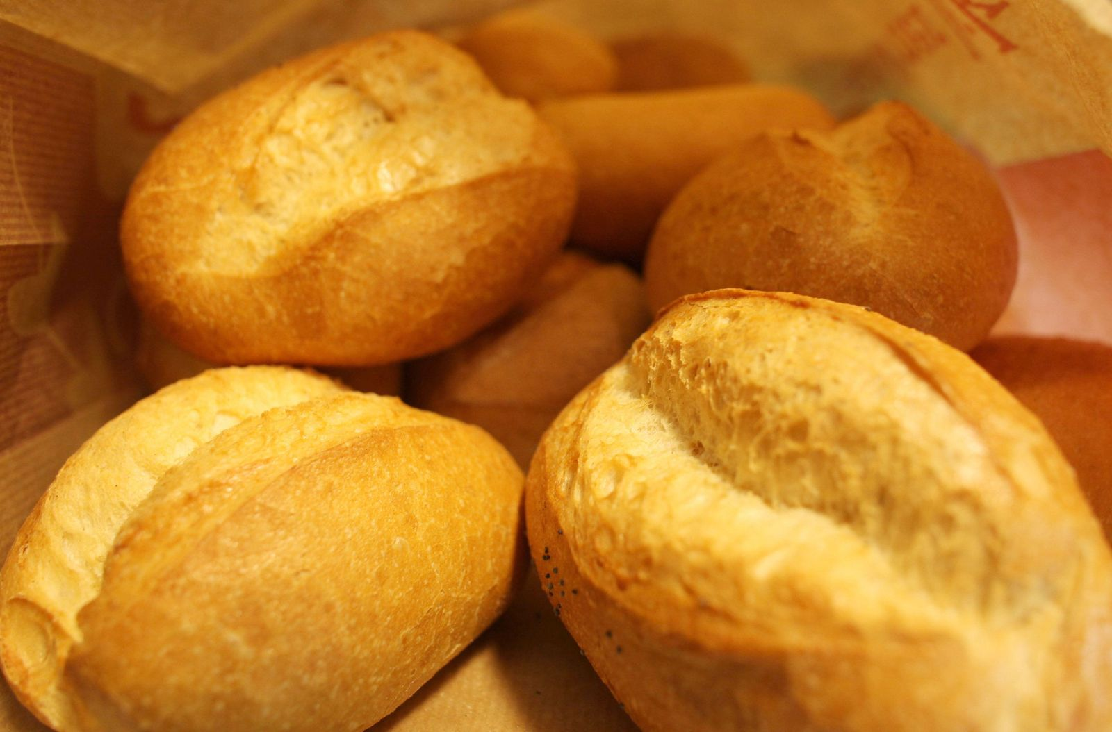 Brötchen beim Bäcker