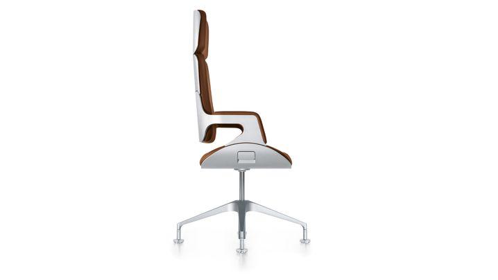 Designer für Edelmobiliar: 50.000 Euro für einen Stuhl
