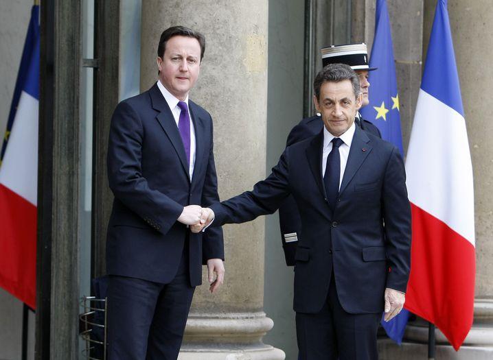 Britischer Premier Cameron (l.), französischer Präsident Sarkozy: Treffen in Paris