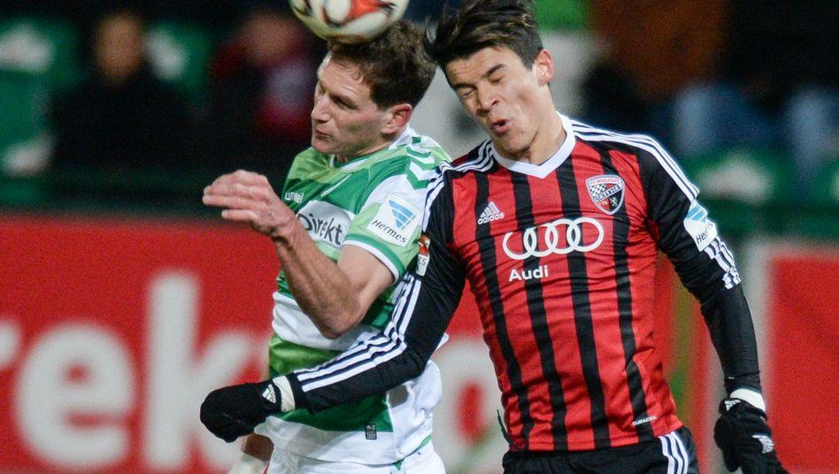 Ingolstadts Alfredo Morales (r.): In der zweiten Liga weiter Spitze