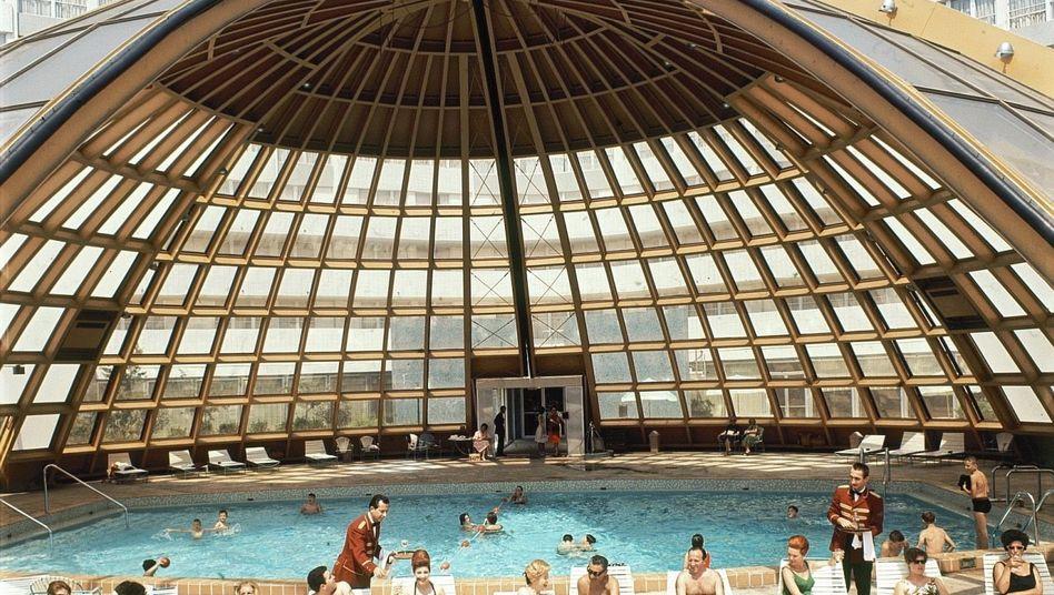 Pool des International Inn Hotel in Washington, D.C., 1963