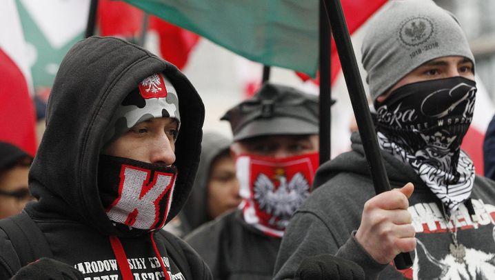 Polen: Rot-weißer Eiertanz