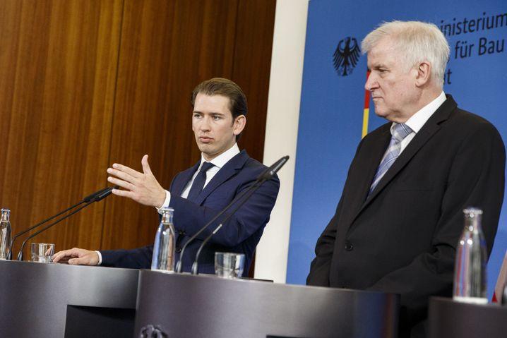 Sebastian Kurz (l.), Horst Seehofer