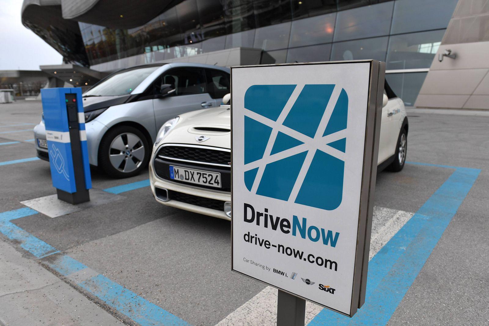 EINMALIGE VERWENDUNG Mobilitätsgeschichte / Car-Pooling, Stationsbasiertes Car-Sharing