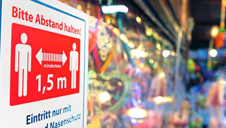 Weihnachtsmarkt mit strengen Hygiene-Vorschriften in Essen