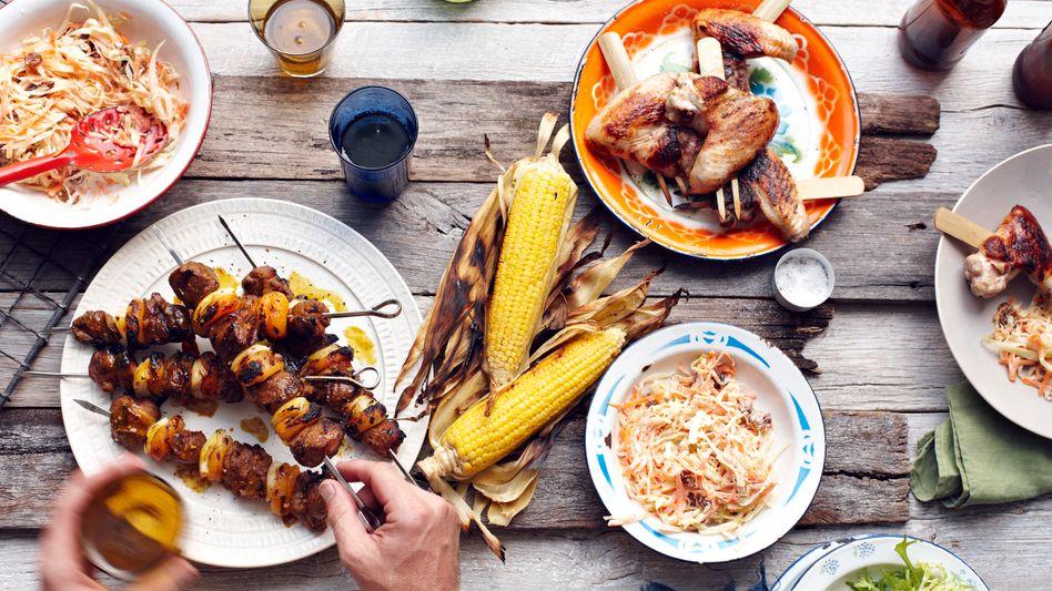 Gedeckter Tisch: Vielleicht sollte man lieber nur die halbe Portion essen