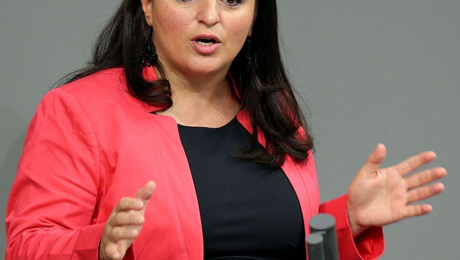 Sevim Dagdelen, Abgeordnete der Partei Die Linke