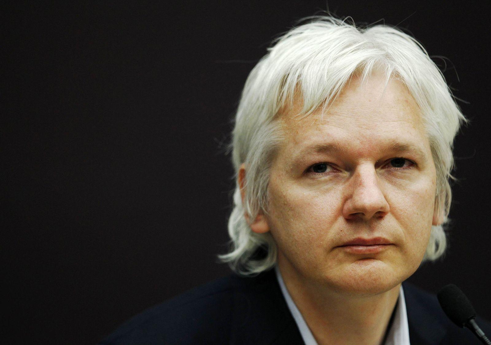 BRITAIN/Julian Assange Wikileaks