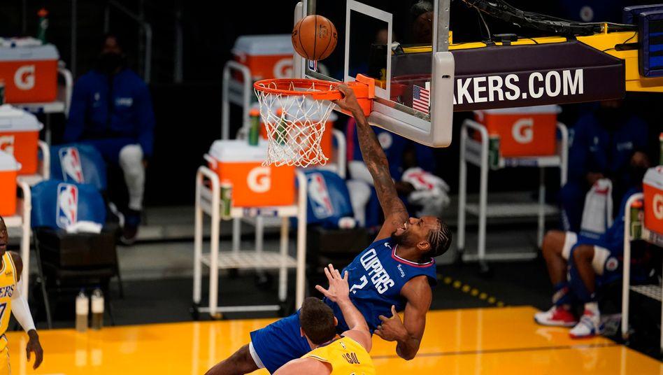 Clippers-Star Kawhi Leonard beim Dunk