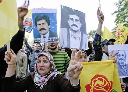 """Kurdish protesters in Ankara: """"In areas where police have acted with reserve, the protests have remained peaceful."""""""