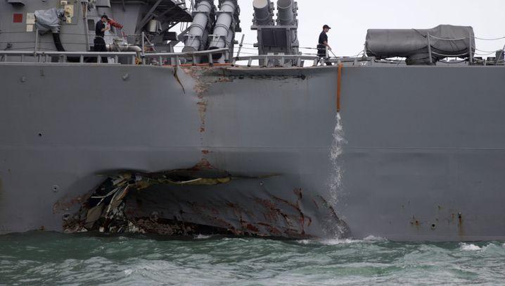 Bei Singapur: US-Zerstörer kollidiert mit Öltanker