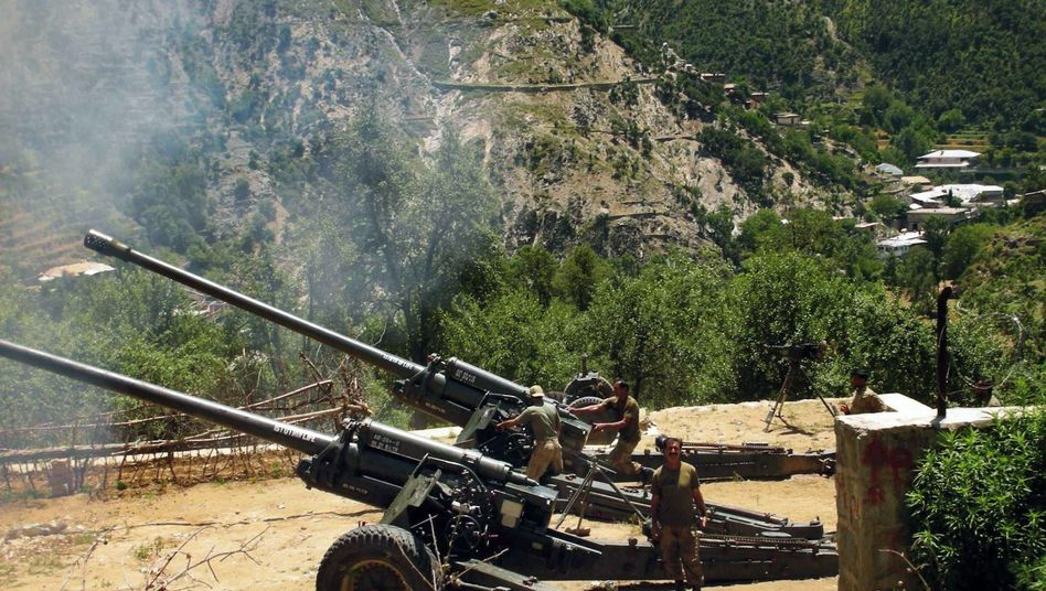 Kampf gegen Taliban: Pakistanische Artillerie in den Bergen von Upper Dir (Archivbild)